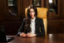 Бизнес портрет руководителя - женский. Фотосъемка в офисе - Москва 2018г.