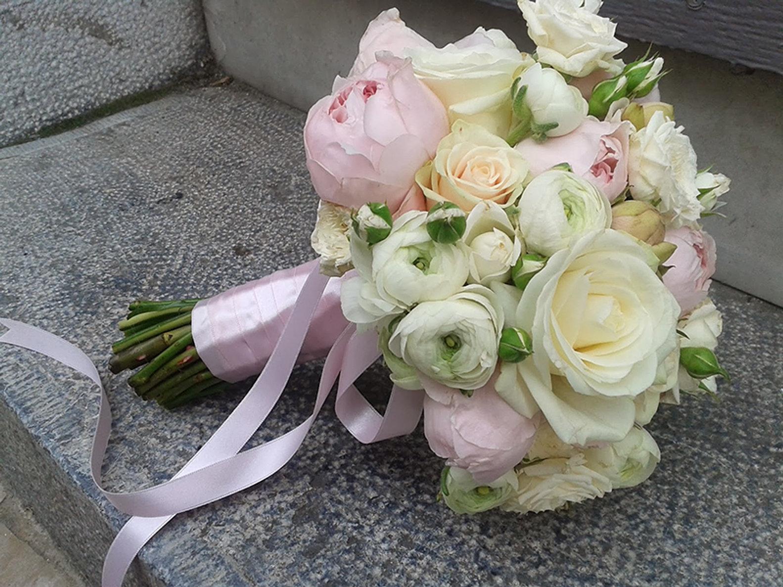 Top bouquet de mariée fleuriste auxerre yonne UI86