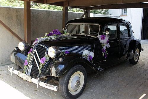 fleurs voiture mariage. Black Bedroom Furniture Sets. Home Design Ideas