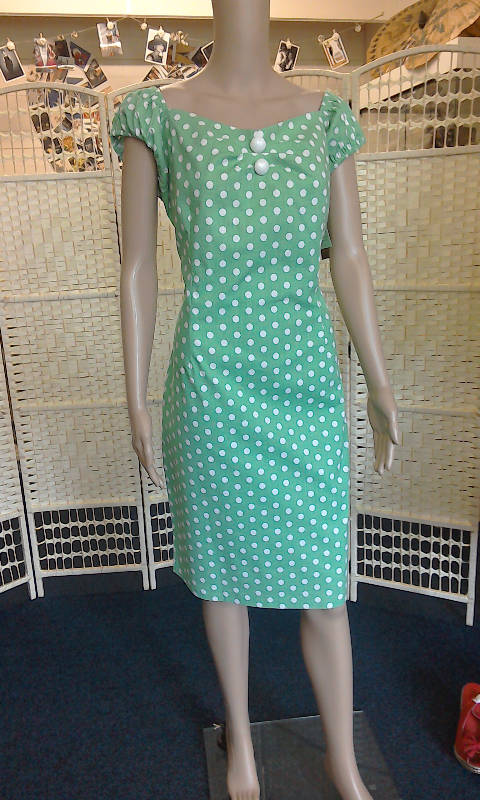 new reproduction wiggle dress size 20 22 dolly daydream