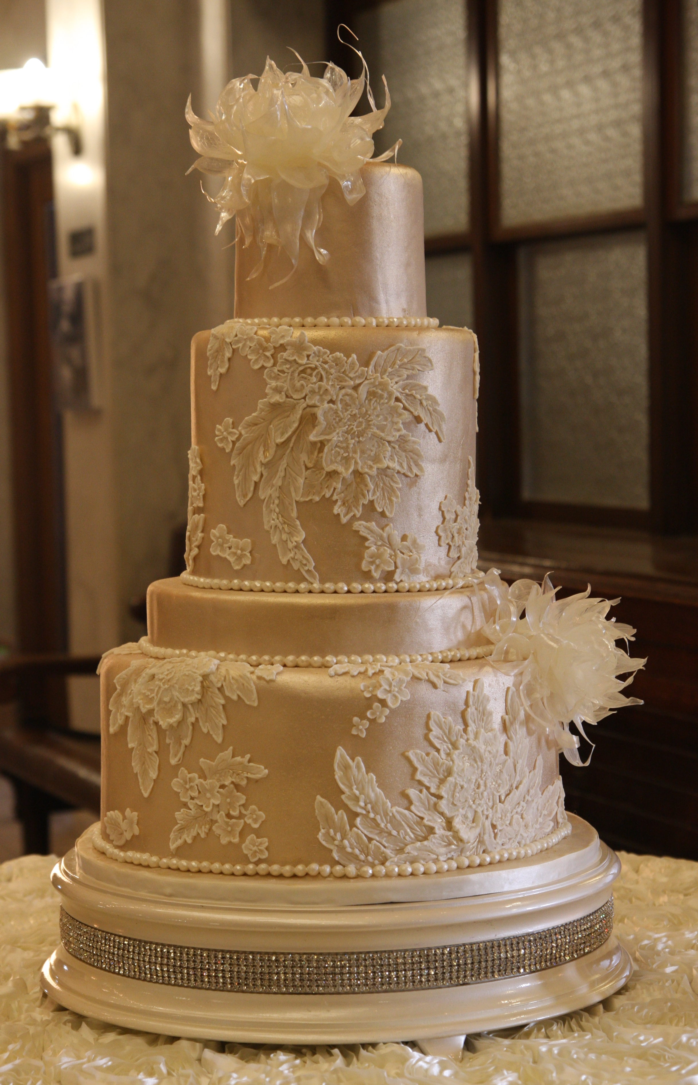 le Gateau Wedding Cakes by Sue Larson in Columbus Ohio