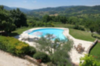 Vacanze Umbria - Parco Subasio - Piscina e Appartamenti Vacanza