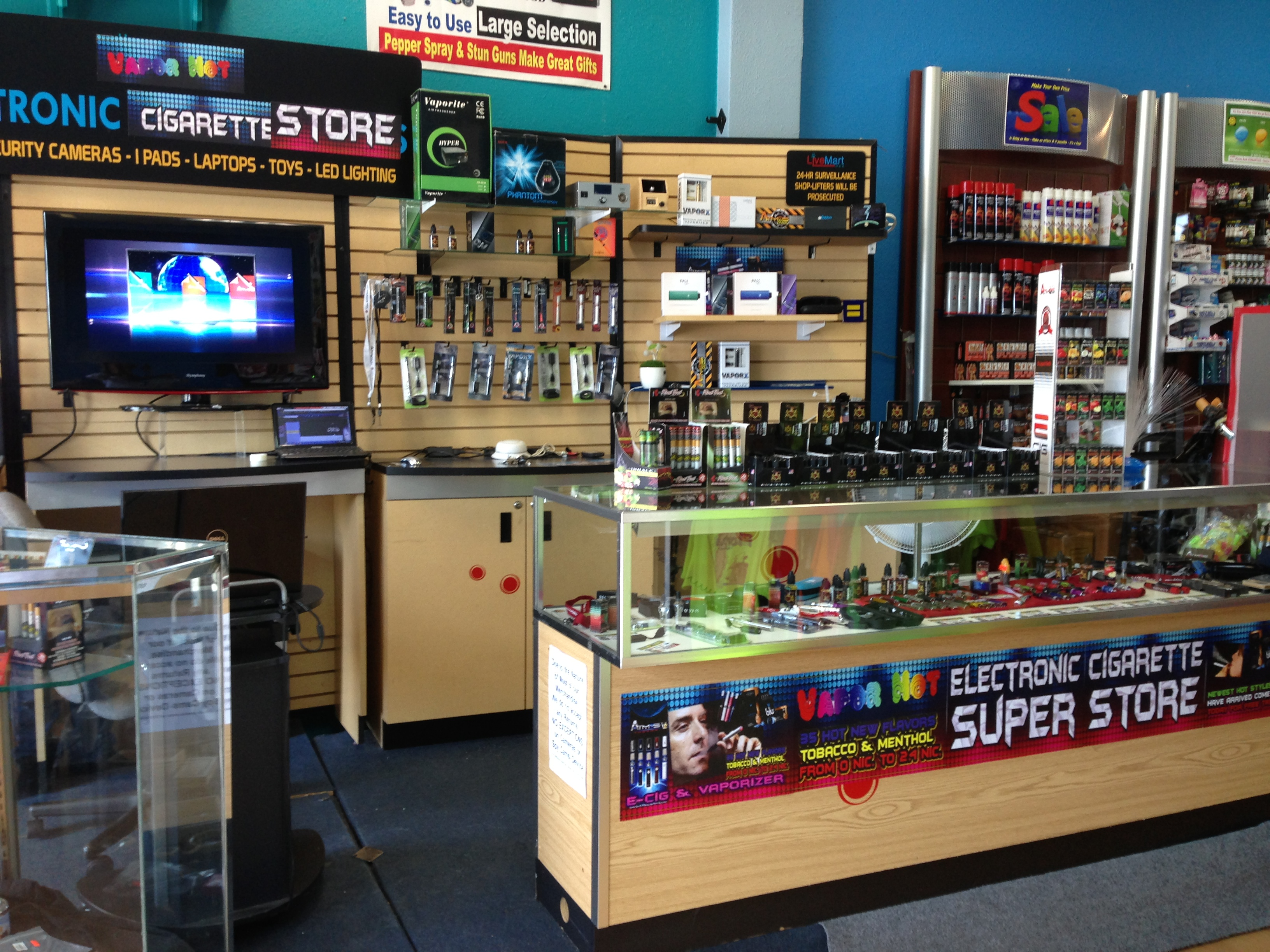 Electronic cigarettes mall kiosk