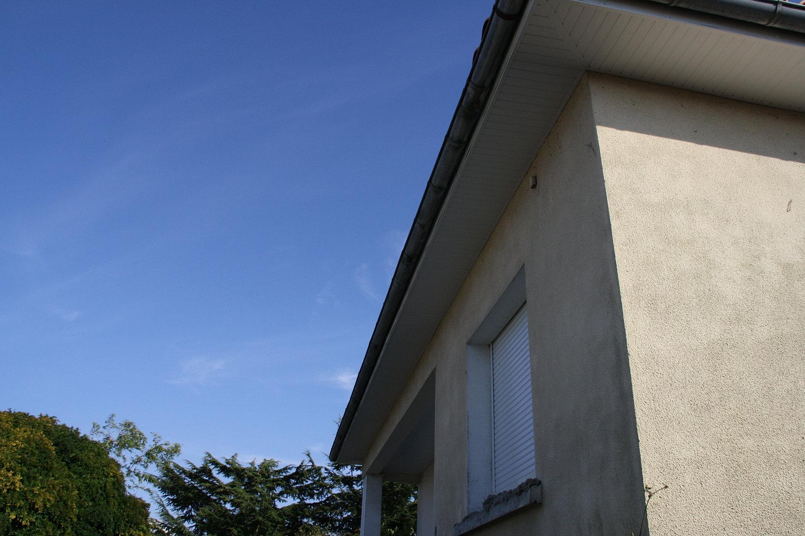 Couvreur zingueur 79 passement de toit for Nid d oiseau sous toiture