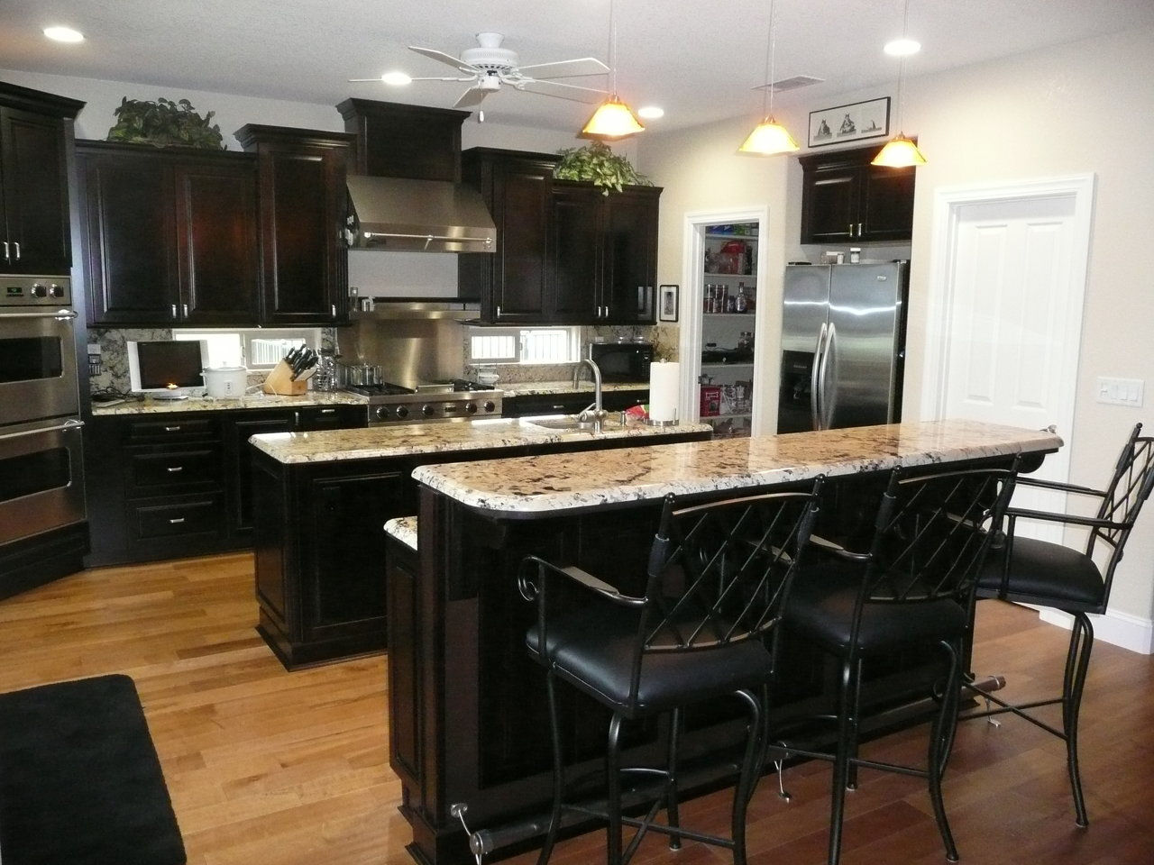 Qrc remodeling and custom woodworking inc specials for Kitchen design 60035