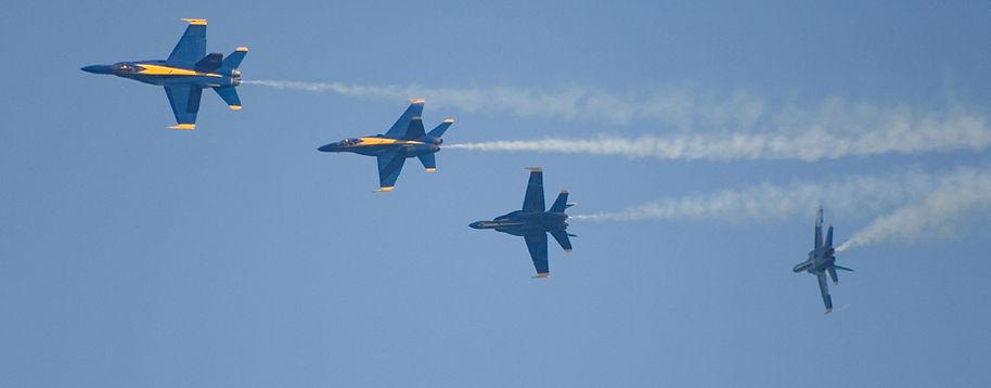 F18-BreakingFormation2.jpg