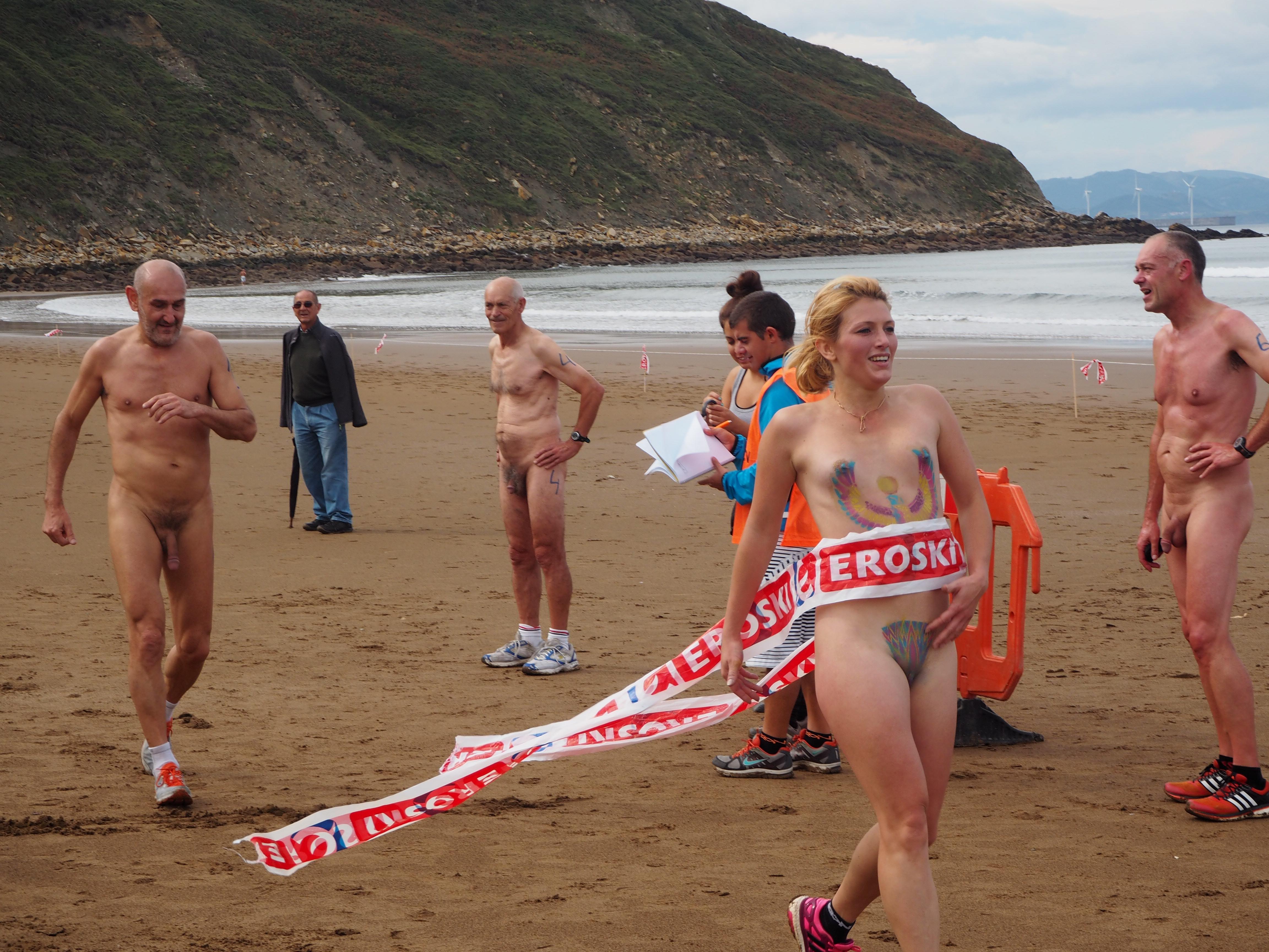 A la playa naturista en alicante - 3 7