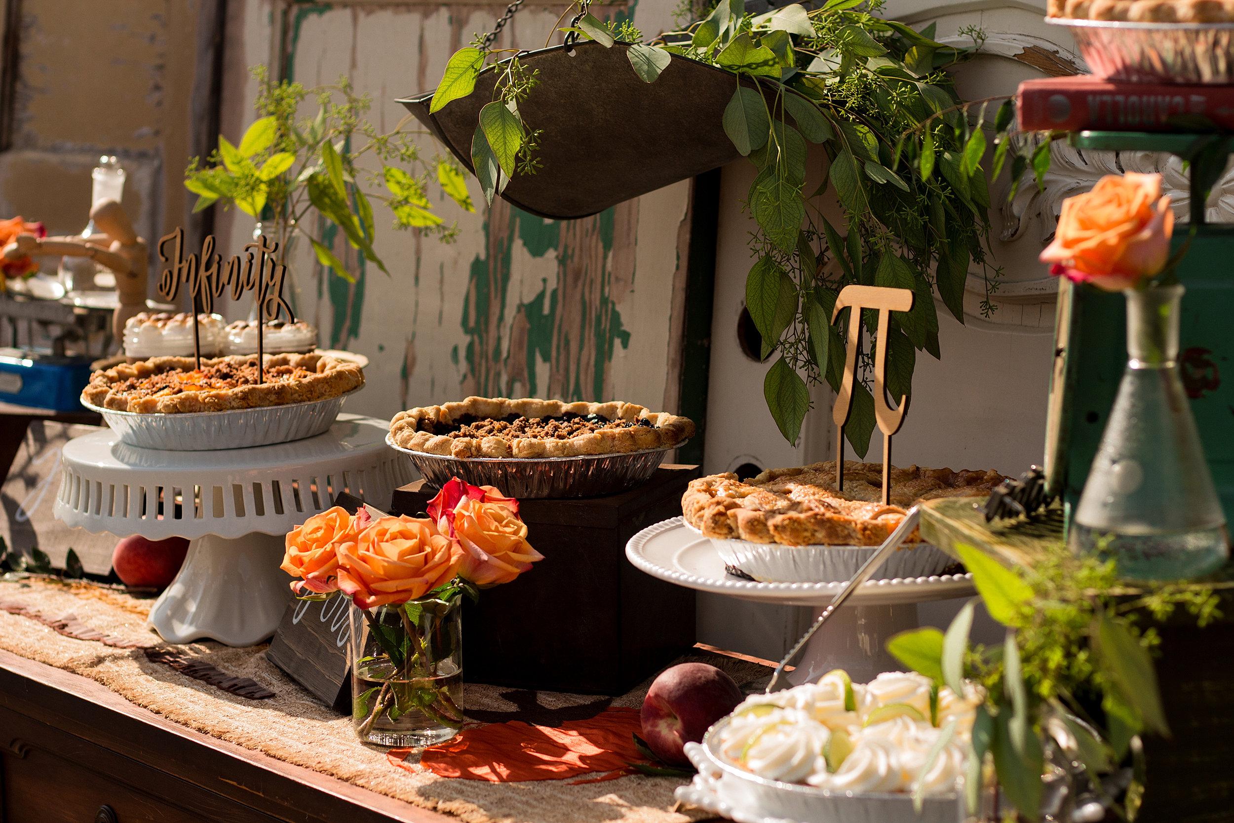 cool hipster retro dessert buffet - Buffet Retro Cuisine