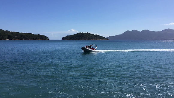 RIB 500 sailing in Formentor bay with 40HP outboard