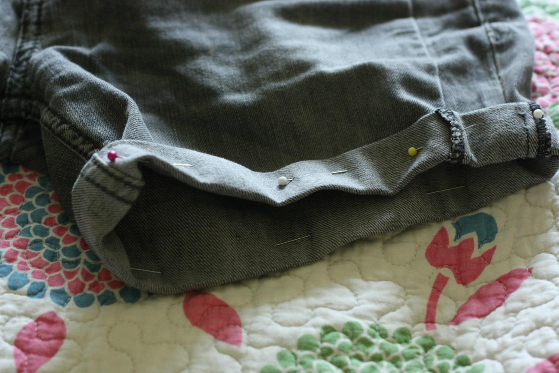 Pantaloni scurti din blugi vechi