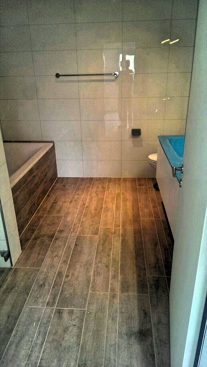 antonioreho, ihr rheintaler plattenleger | badezimmer, badewanne