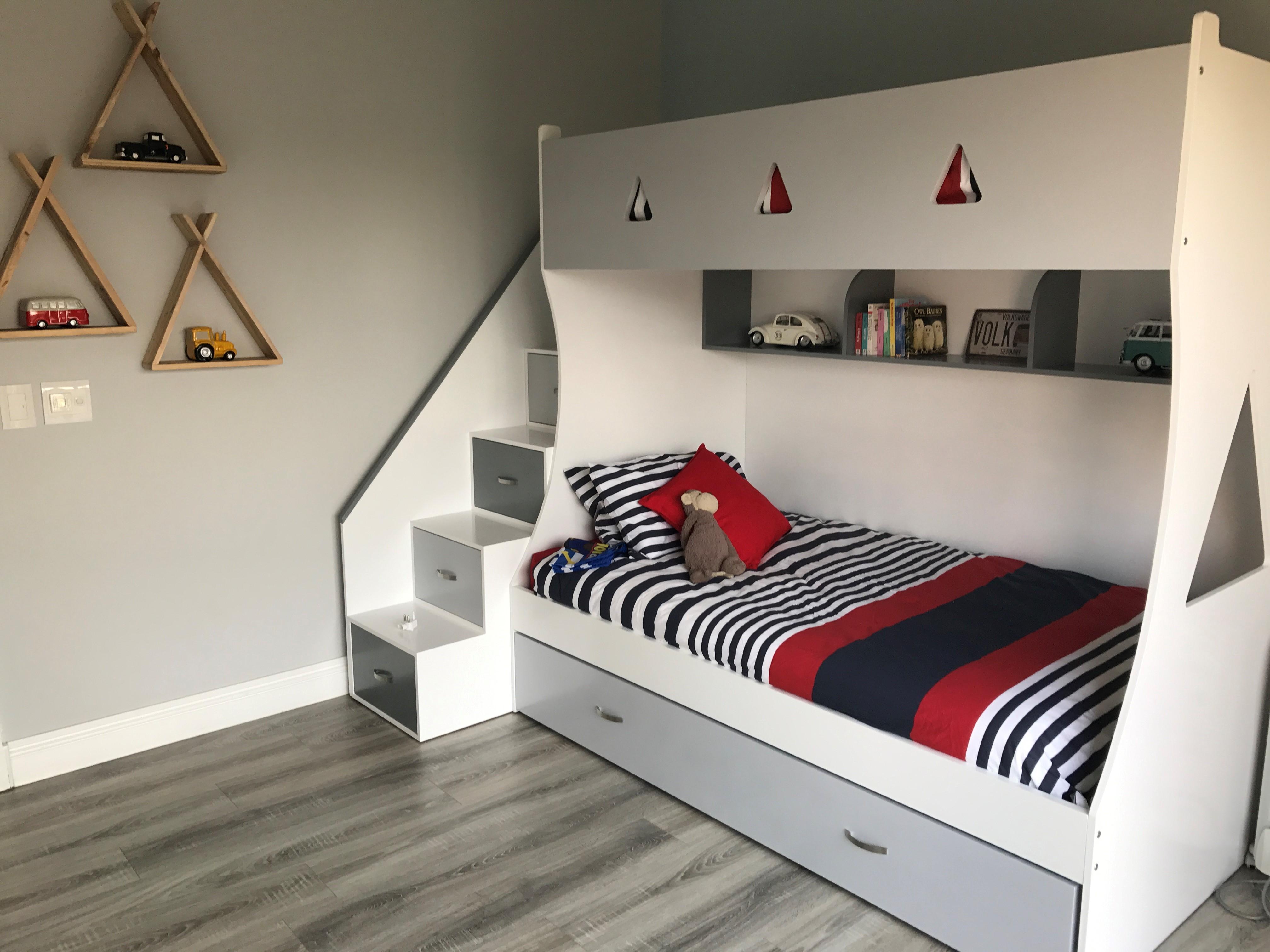 Upsi Daisy Creations Beds