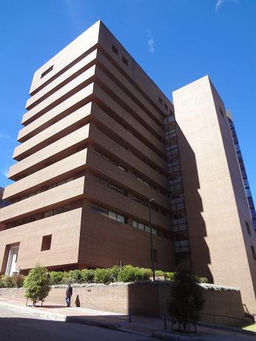 Torre 75