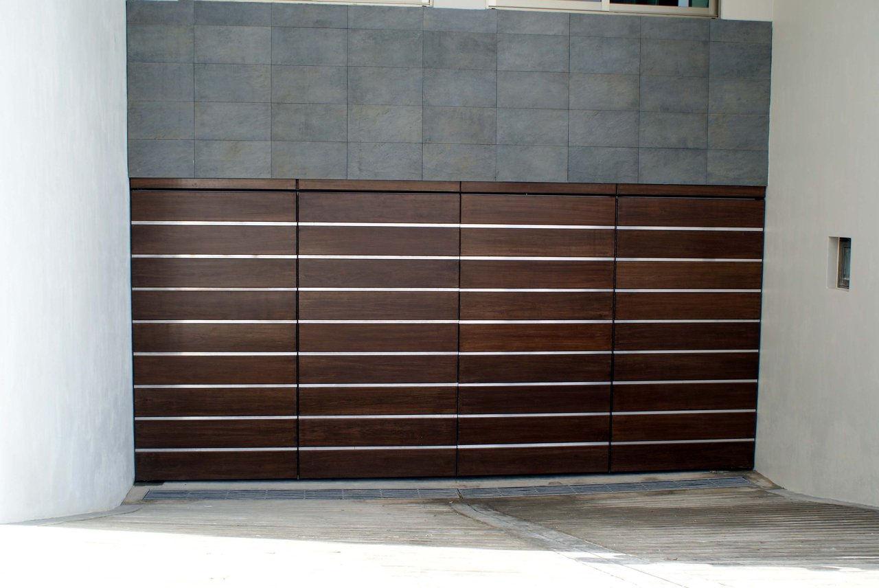Puertas para cochera automaticas fibraline en guadalajara for Puertas de cochera automaticas