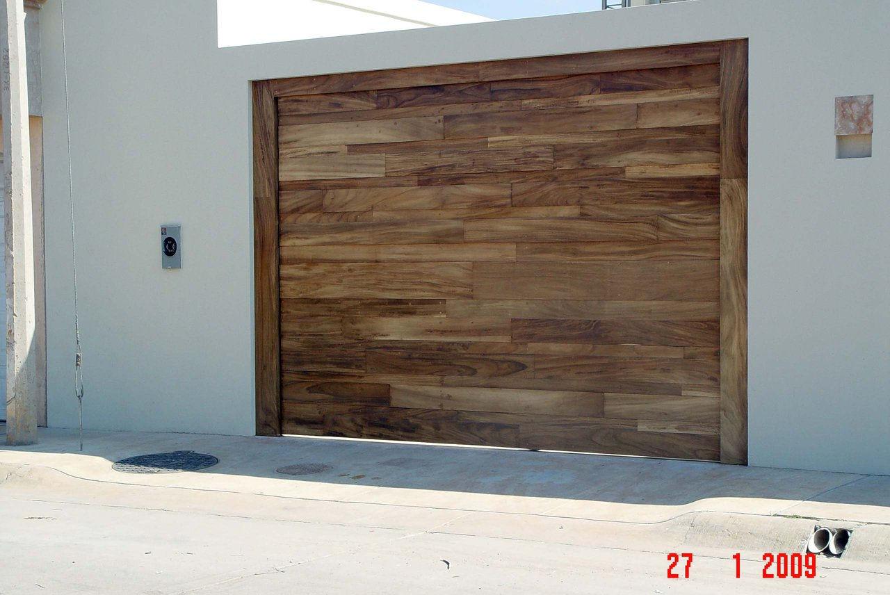 Puertas para cochera automaticas fibraline en guadalajara - Portones de madera para exterior ...