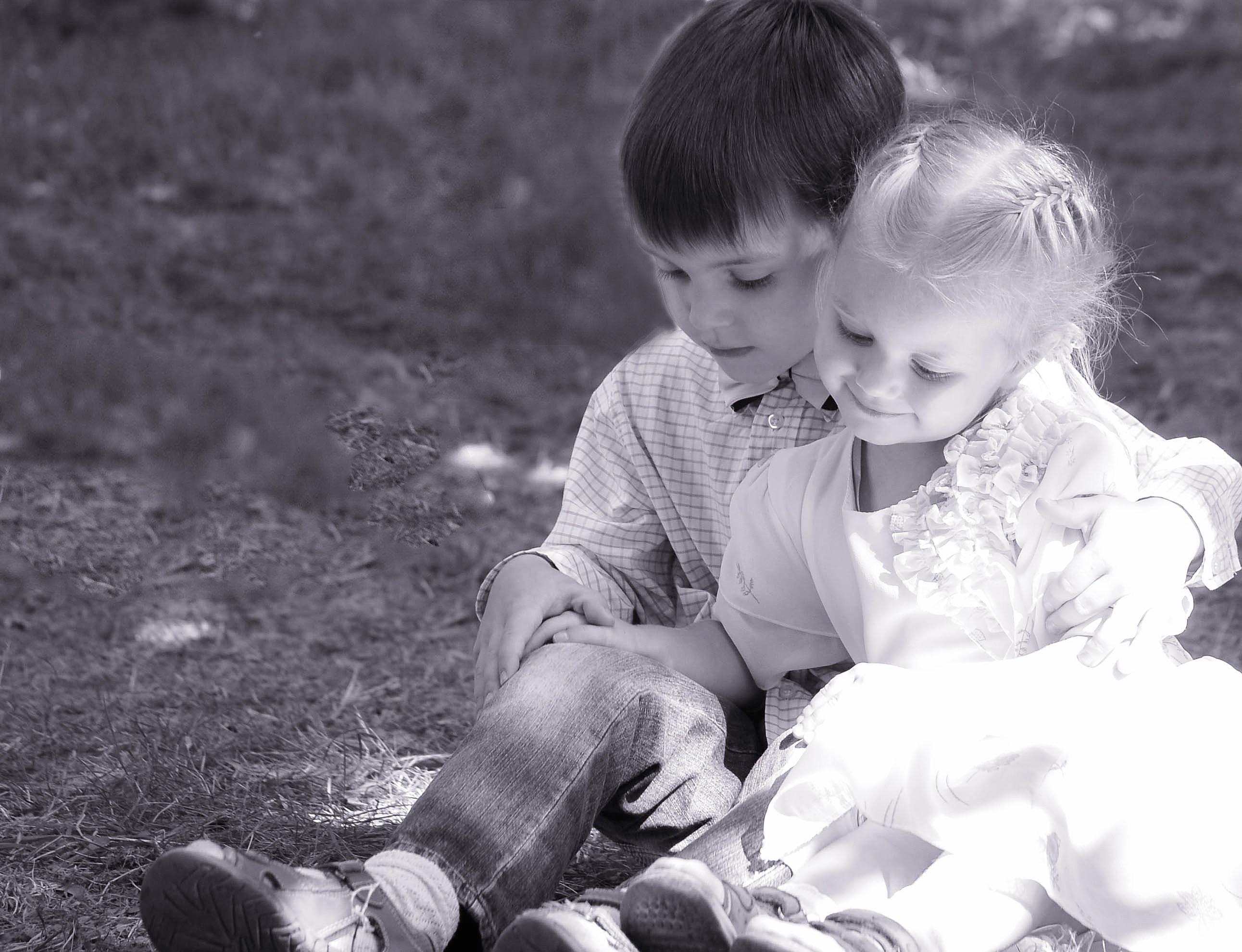 Брат с сестричкой 3 фотография