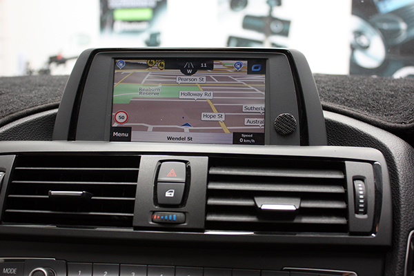 touch screen navigation retrofits to bmw 39 s idrive. Black Bedroom Furniture Sets. Home Design Ideas