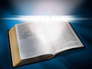 Biblia e Luz.jpg
