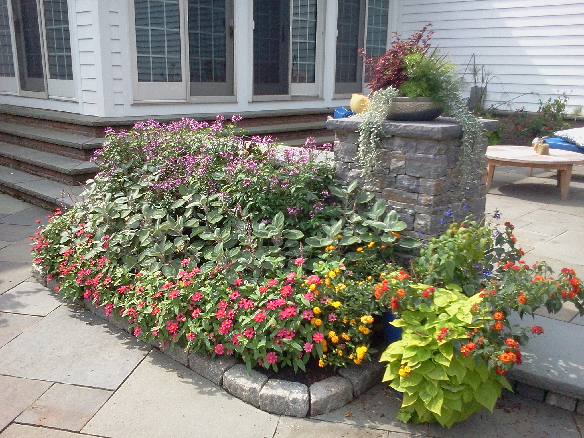 Flower bed wall design for Flower bed wall designs