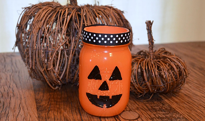 Neat Little Nest: #DIY #Halloween #Mason Jar