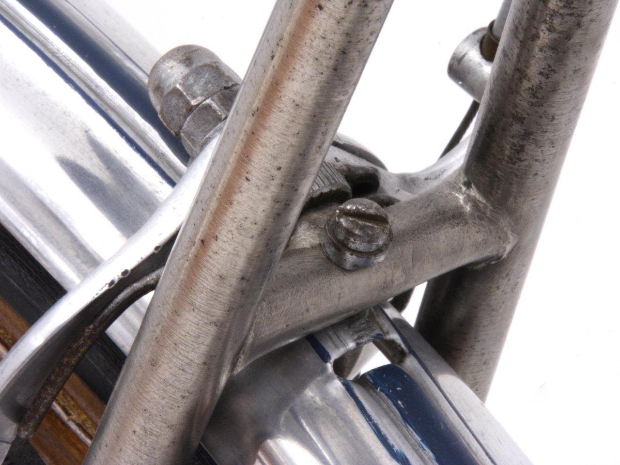 gloria brake bridge close up s2