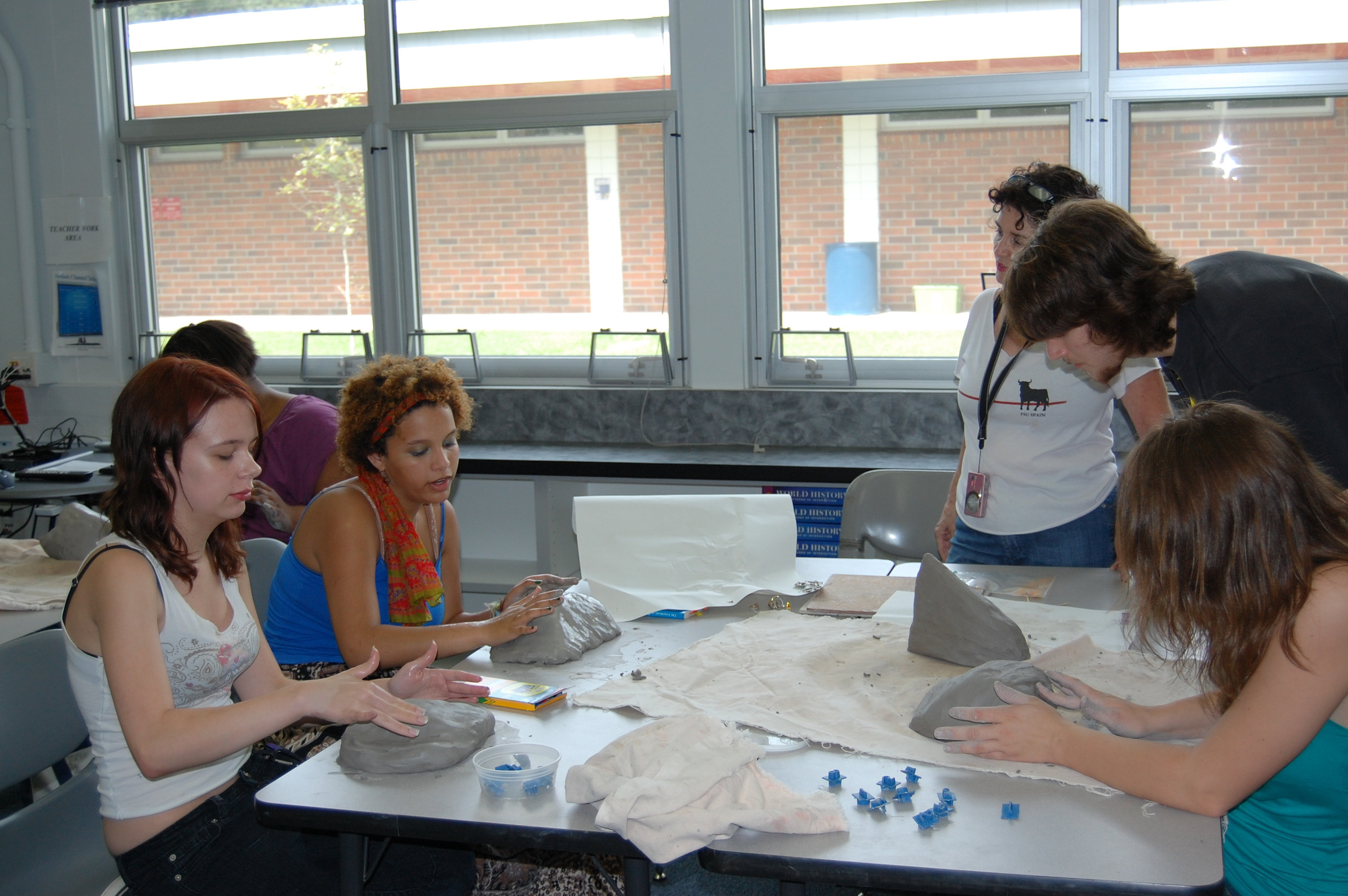 sue stelzmann ceramic artist students work independently sue stelzmann ceramic artist students work independently