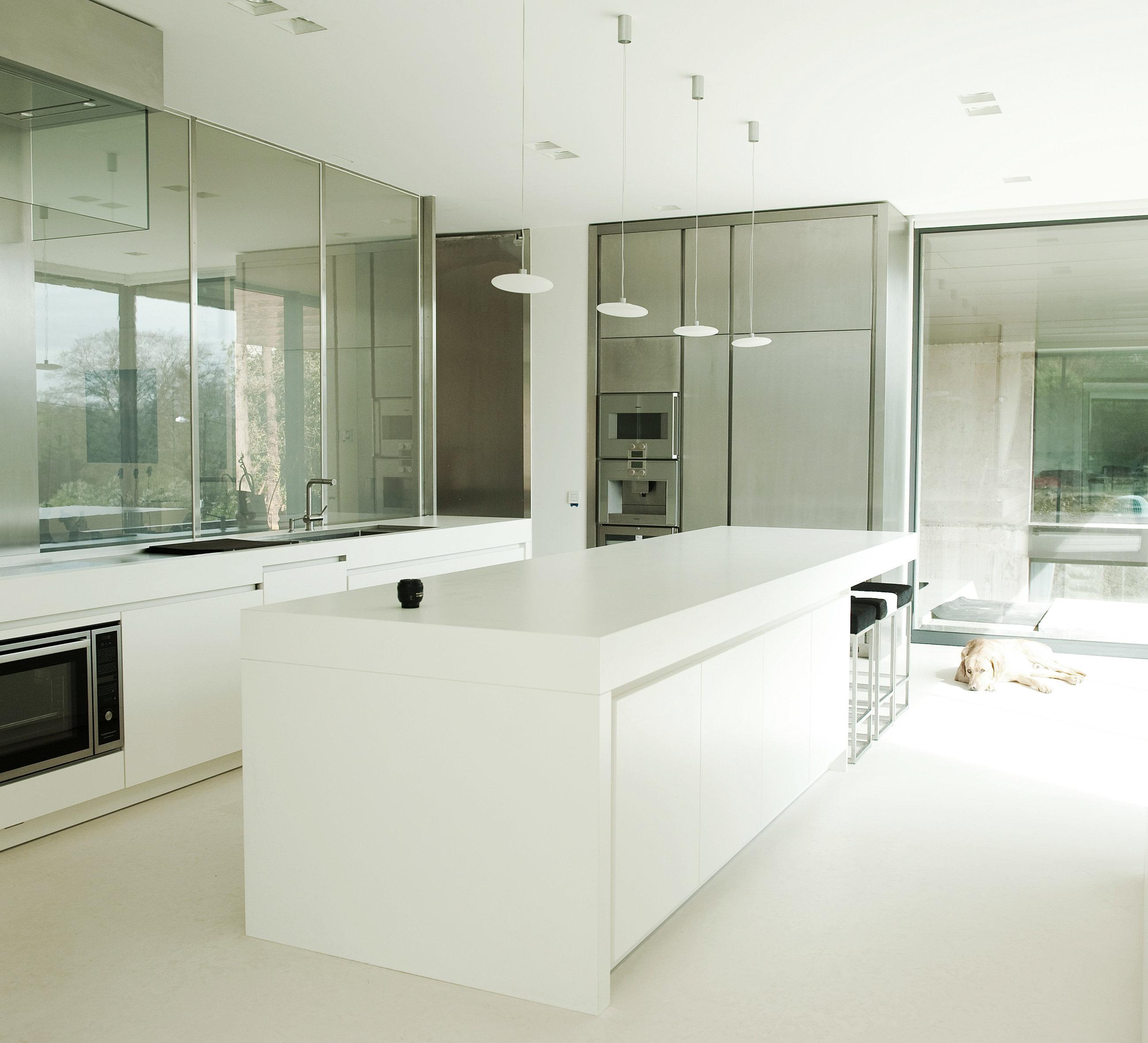 cuisine moderne vitree pr l vement d. Black Bedroom Furniture Sets. Home Design Ideas