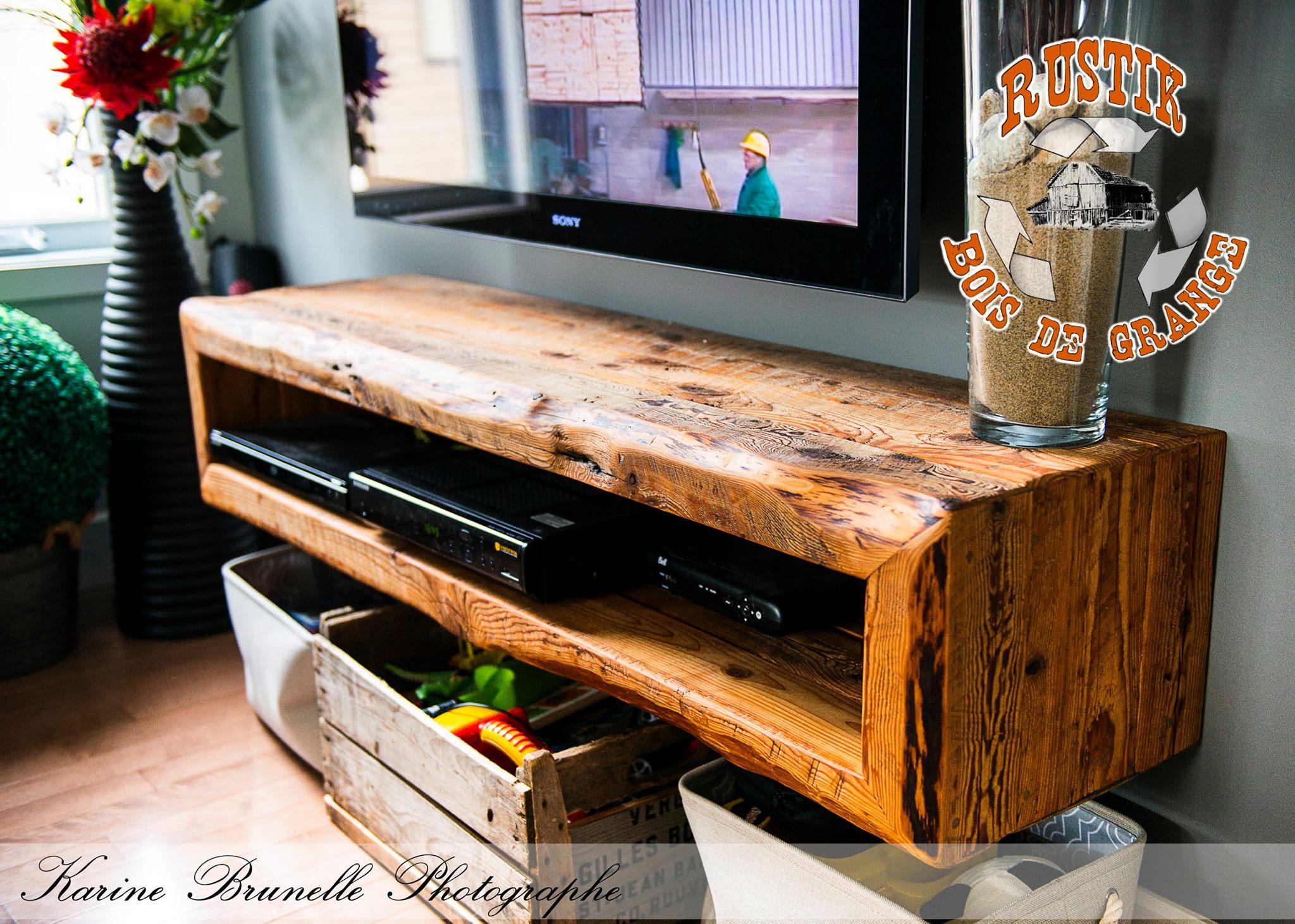 Rustik bois de grange mobiliers en bois massif haut de for Meuble audio en bois