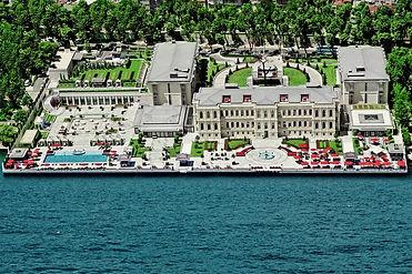 four-seasons-hotel-istanbul-at-the-bosphorus-5a282a96db6b4.jpg