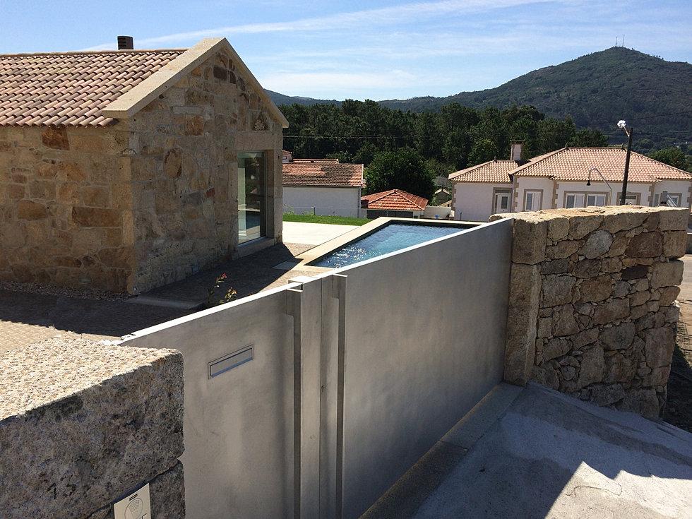 Puertas automaticas portalmatic en vigo y a guarda automatismos - Cierres de fincas en galicia ...