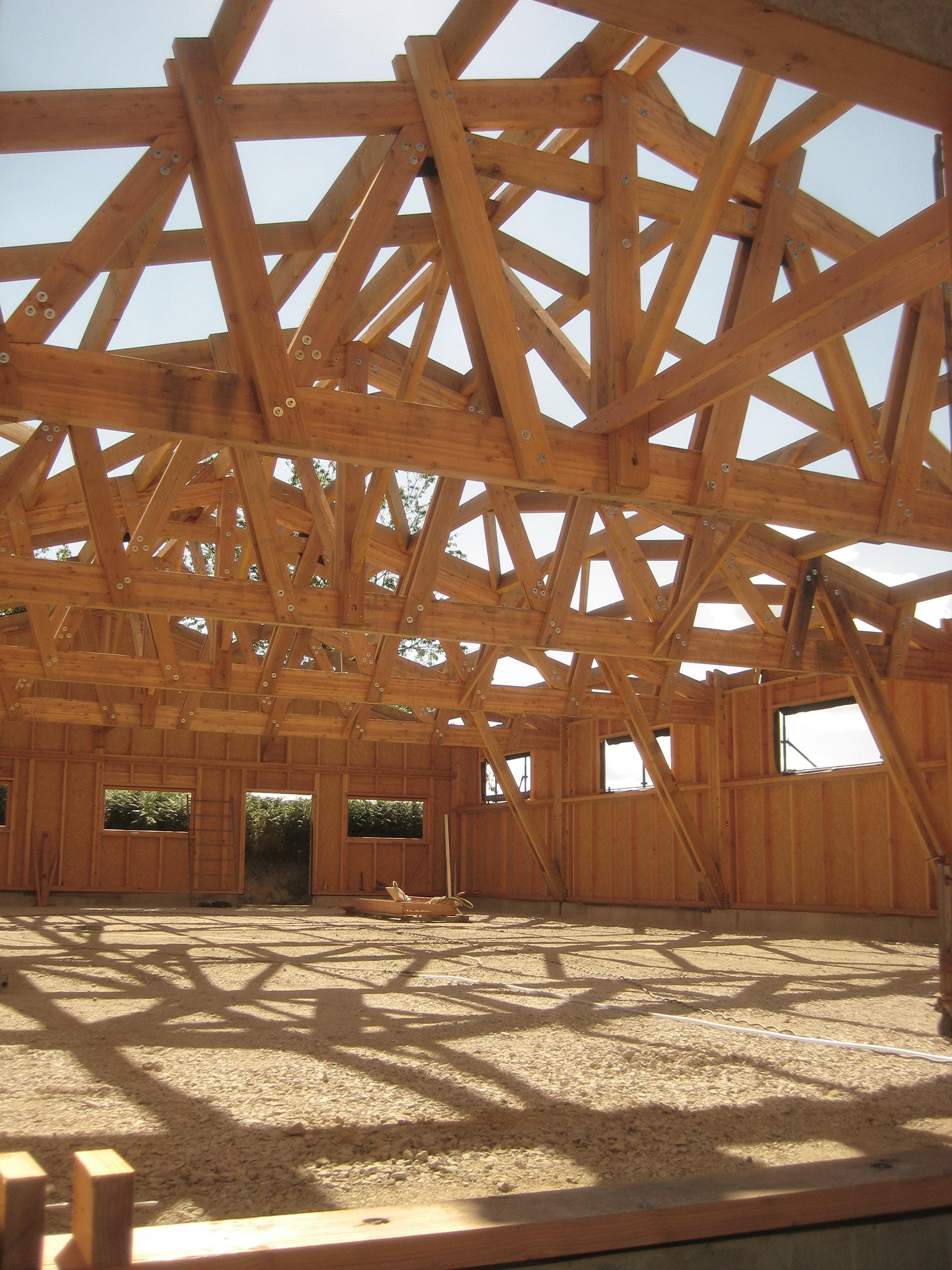 Ambiance bois en limousin hangar de 400m en douglas et meleze - Construction hangar bois ...