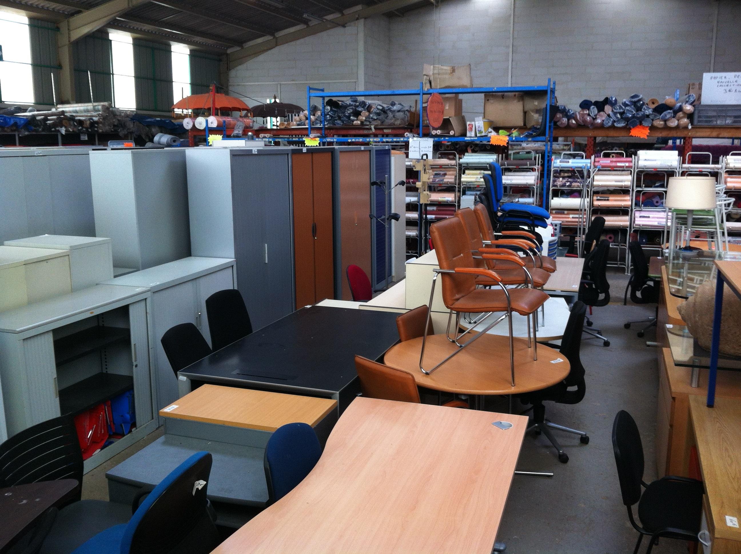 Bgf 61 brocante industrielle de glos la ferri re mobilier de bureau - La brocante industrielle ...