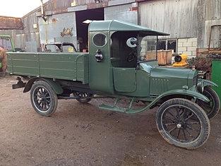 1922 Ton Truck