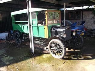 1920 Ton Truck