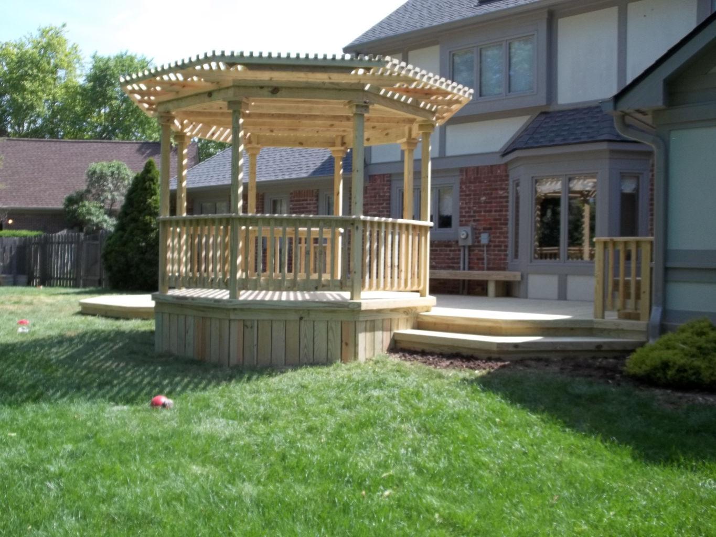 custom deck and pergola builder serving greenwood indianapolis