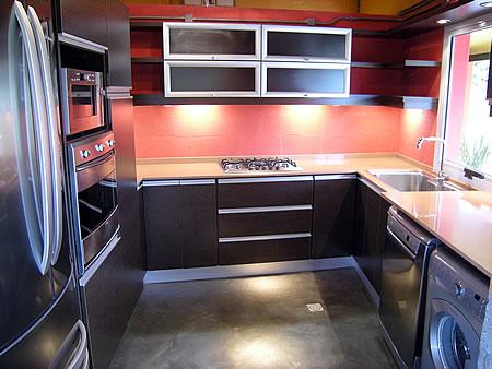 Muebles De Cocina Color Wengue Y Blanco. Mueble De Cocina L Melamina ...