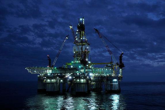 offshore-oil-rig-at-night-bradford-martin.jpg