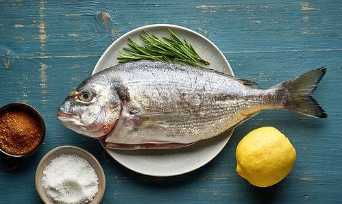 fresh-raw-fish-C7BP5E2.jpg