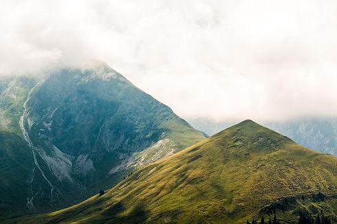 alpine-2591323_1920.jpg