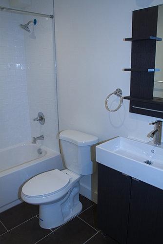 142117thSt-Bathroom2