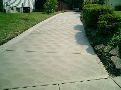how to finish concrete driveway