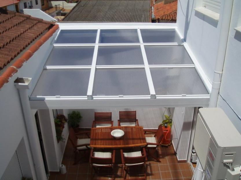Pin cerramientos techos para cocheras poliacrilico - Tragaluces para tejados ...