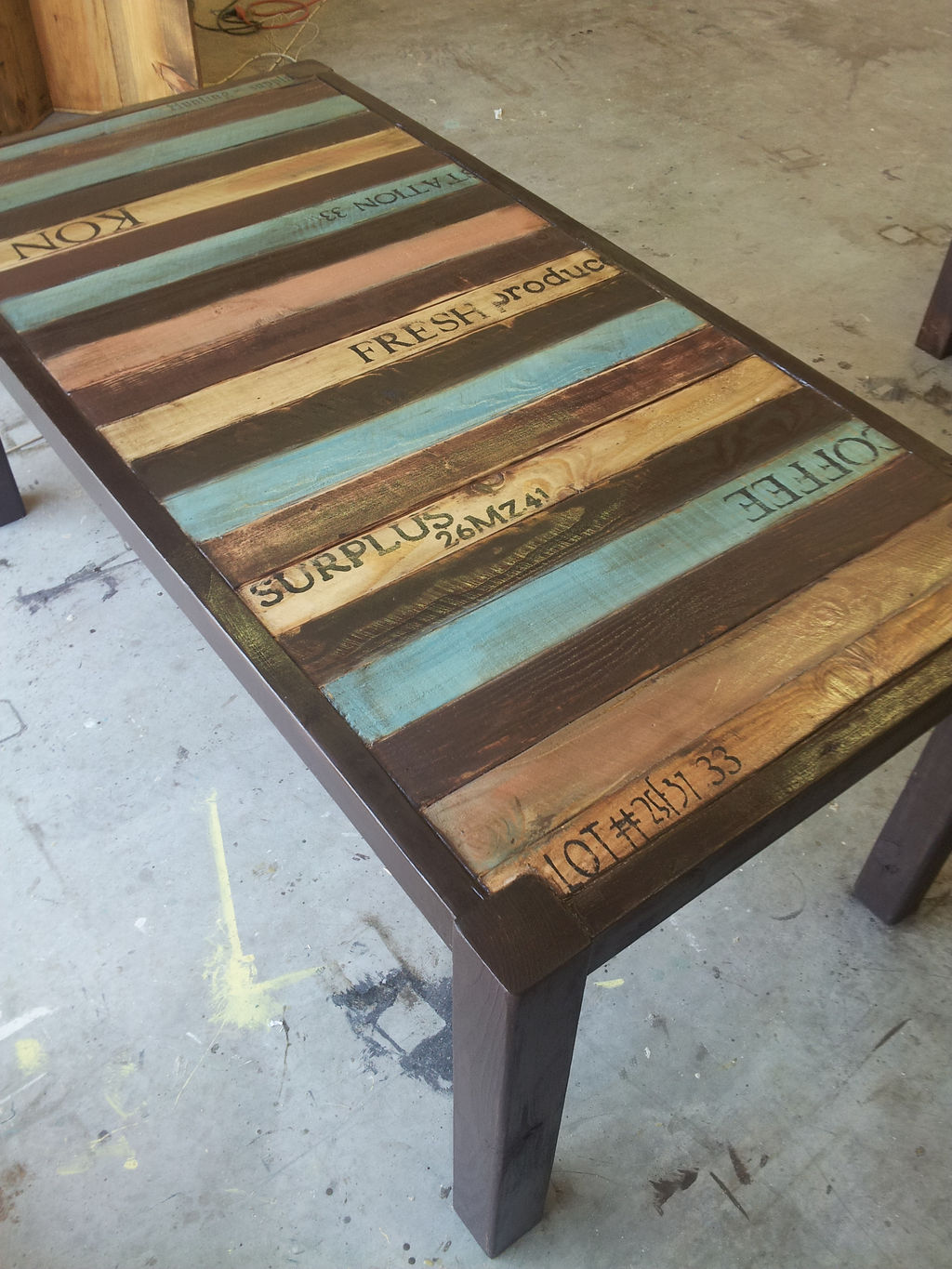 Pallet dining table - 6 Pallet Dining Table