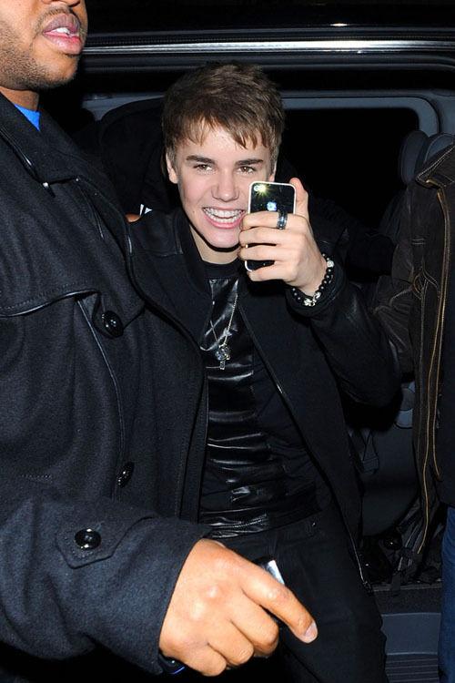 Justin_Bieber_march16_011.jpg