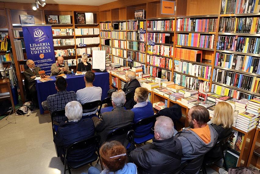 Romanzi Saggi E Racconti | Italia | Floreana Nativo | GALLERIA