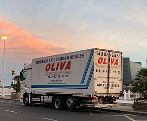 Mudanzas_oliva_camion.png