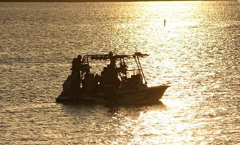Lakeside icehouse lake camping for Lake bryan fishing