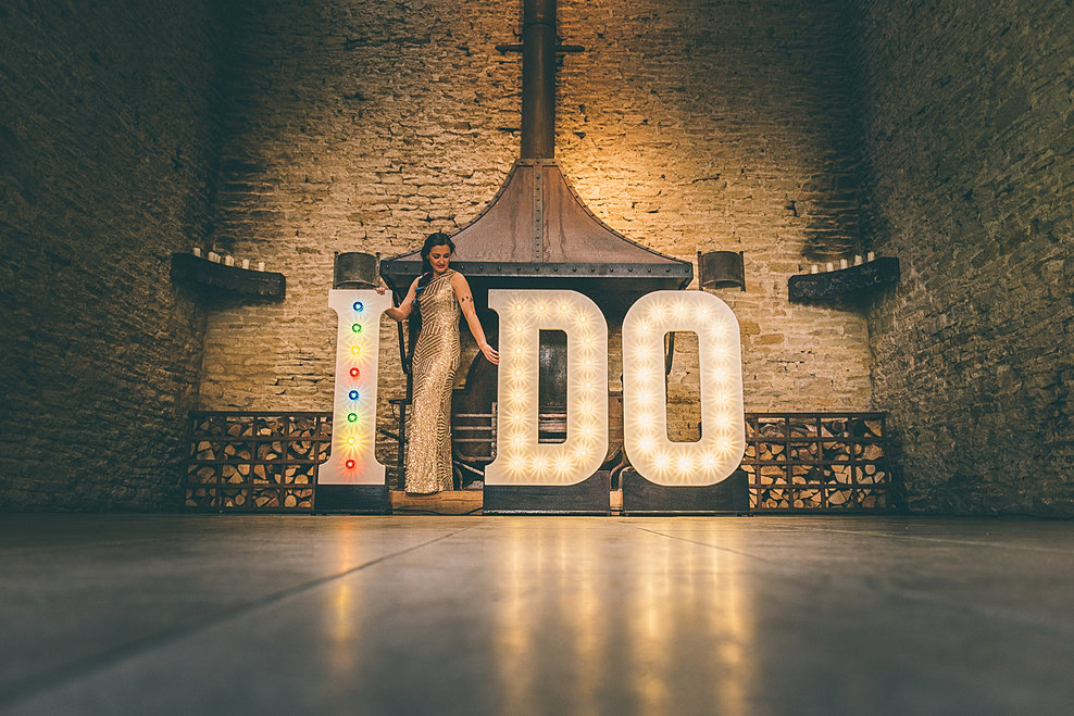i do letter light hire illuminated