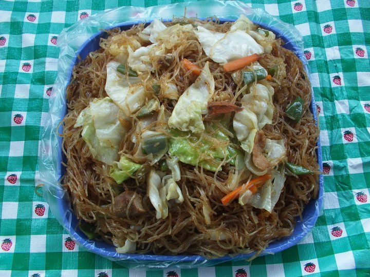 how to cook bihon guisado