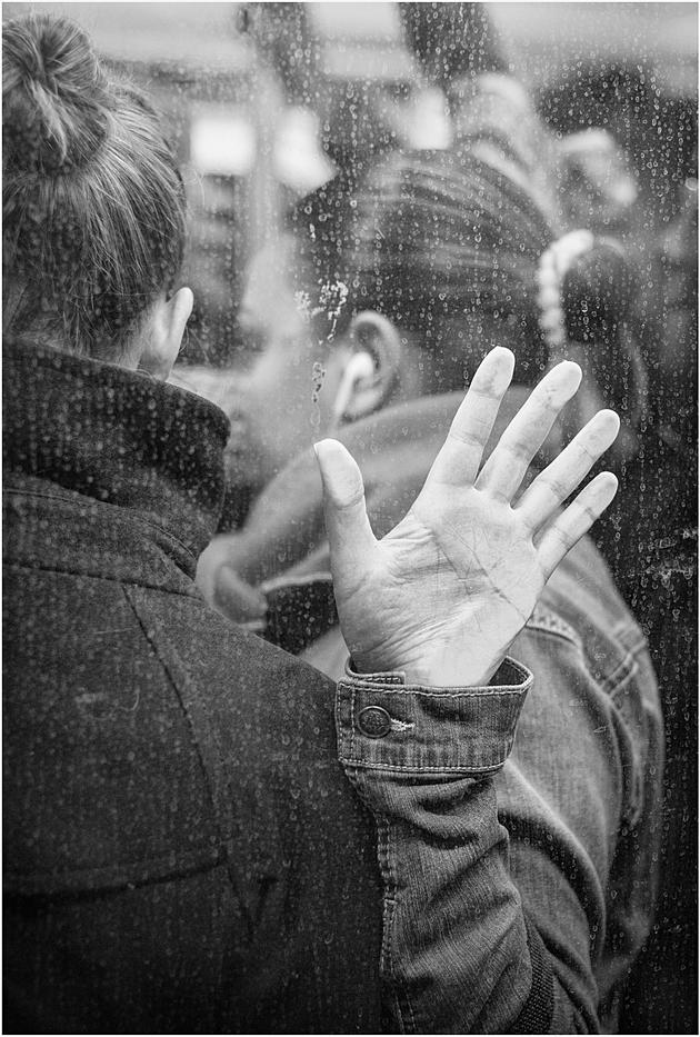 Vous aimez les photos en noir et blanc avec des personnes dessus? Le blog d'Alain Licari est fait pour vous. Alain Licari photographie la vie. Je vous conseil vivement de visiter son site. Son travail est incroyable.